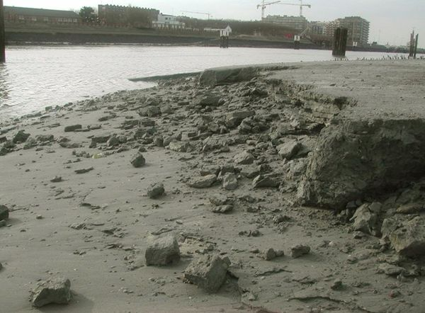 Mud pebble formation after cliff erosion along the Yzer mouth intertidal mudflat.jpg